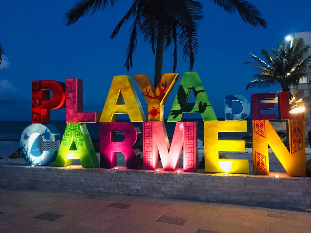 Las Letras de Playa del Carmen
